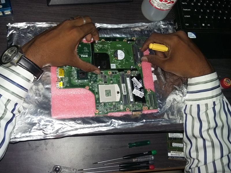 laptop motherboard.jpg
